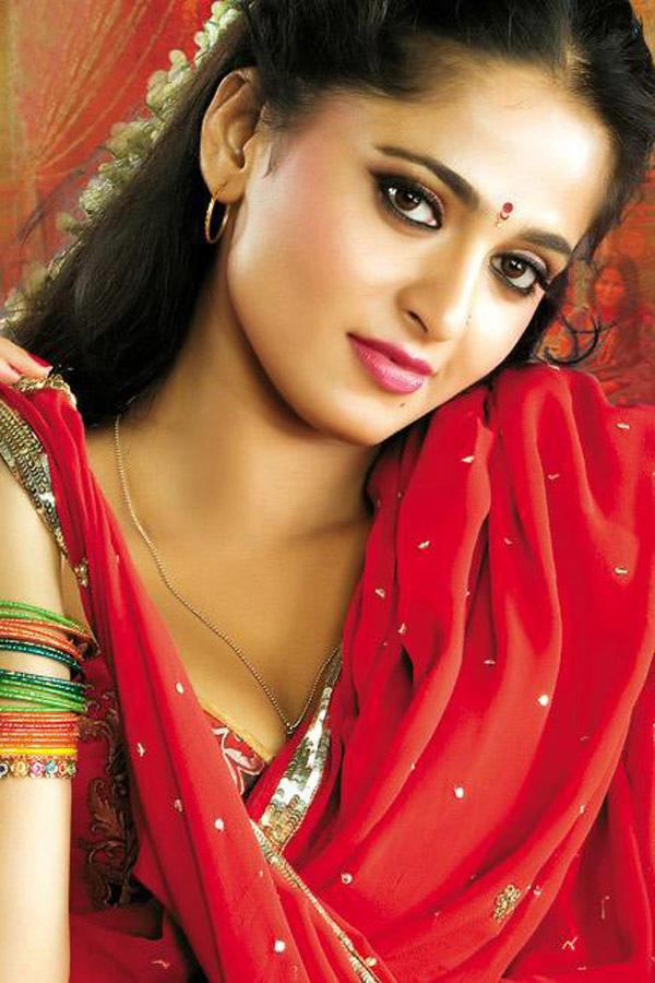 Anushka Shetty Looking Very Beautiful