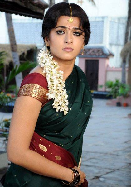 Anushka Shetty In Traditional Saree Nice Pic
