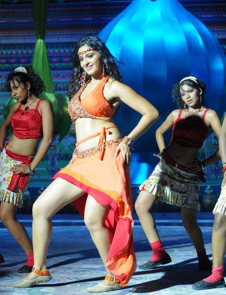 Masala Actress Anushka In Puli Veta Movie