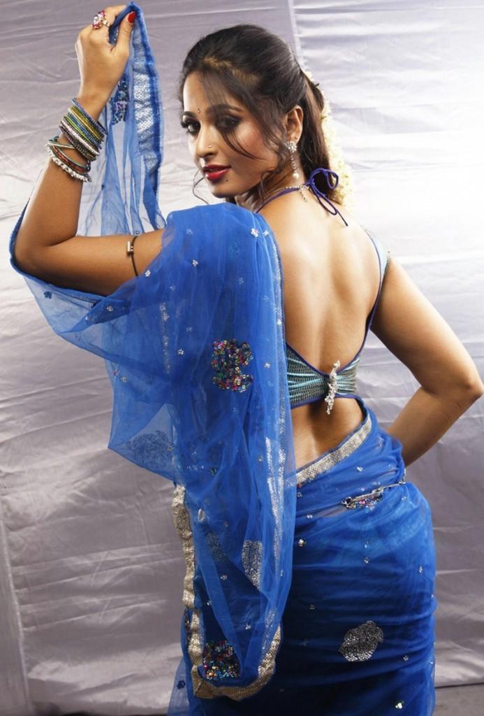 Vaanam Movie Anushka Hot Back Exposing Still
