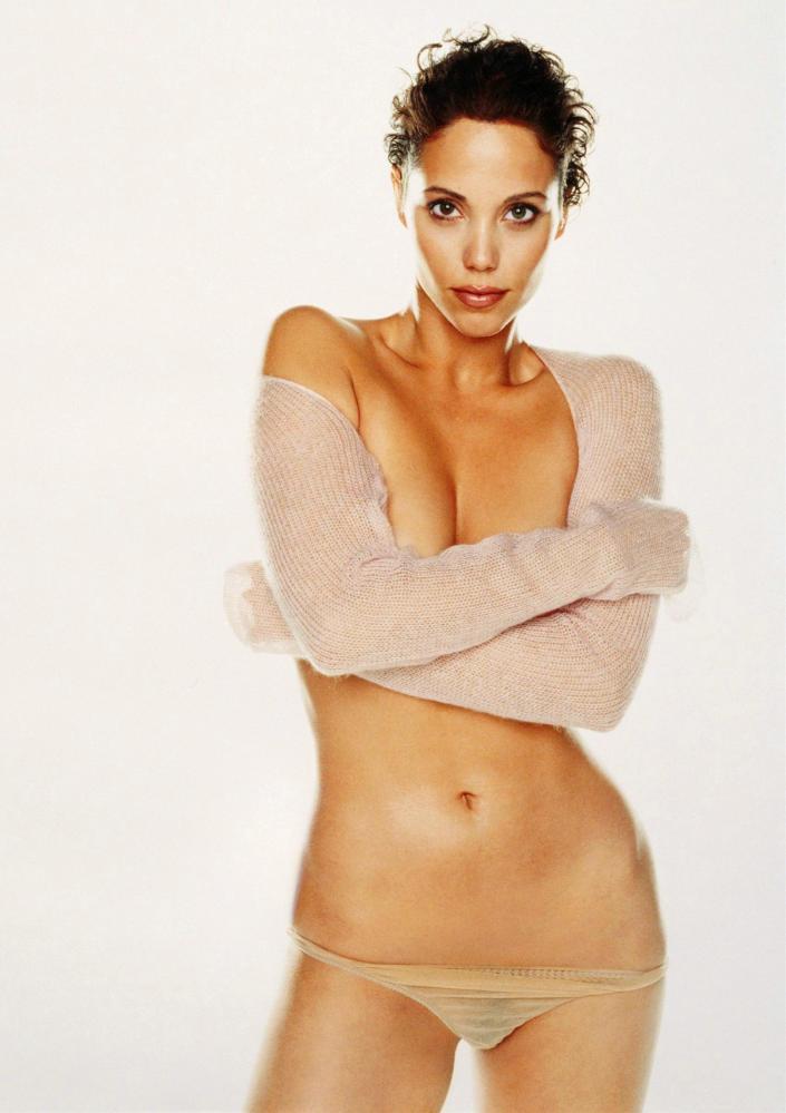 Elizabeth Berkley Without Dress On Top HD Photo