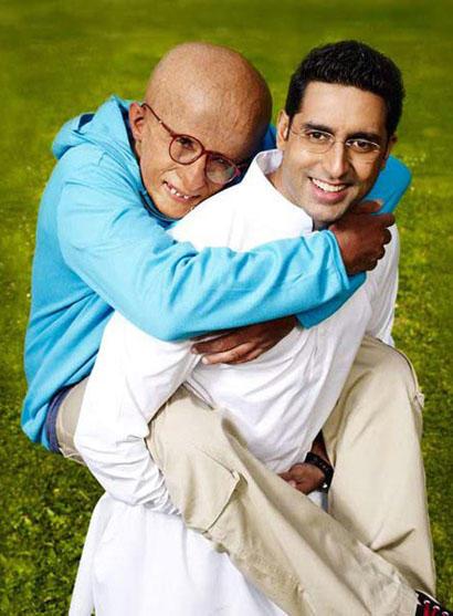 Paa Movie Amitabh Bachchan and Abhishek Cute Pic