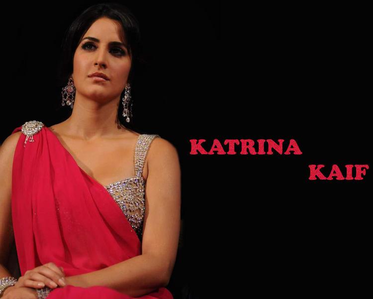 Katrina Kaif Sizzling Wallpaper In Red Saree