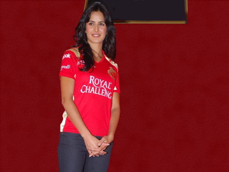 Katrina Kaif Wearing Royal Challengers Jersey