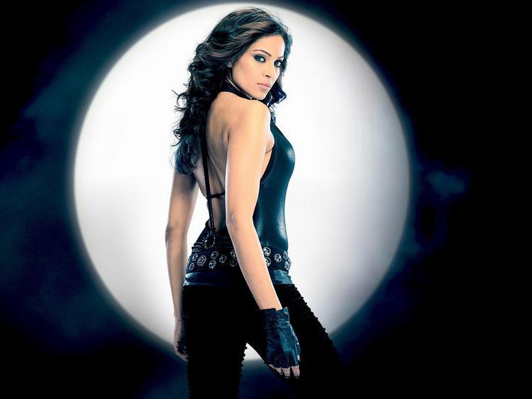 Rock Star Bipasha Basu Sexy Pic
