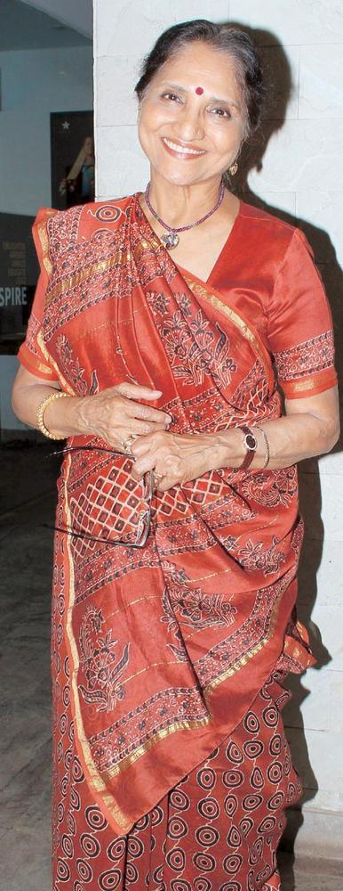 Sarita Joshi Is In Her Traditional Indian Avatar
