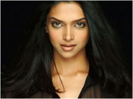 Deepika Padukone Beautiful Hot Eyes Look Still