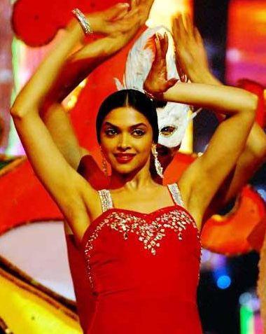 Deepika Padukone Red Dress Gorgeous Pic