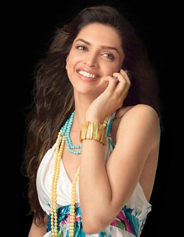 Deepika Padukone On Romantic Mode Still