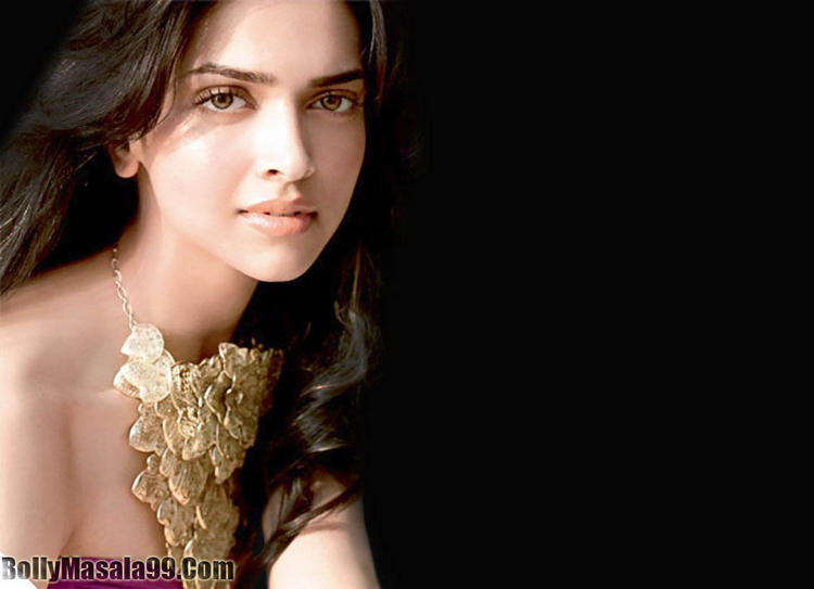 Deepika Padukone Shiny Romantic Face Look Pic