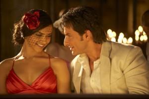 Saif and Deepika Romance Pic In Love Aaj Kal