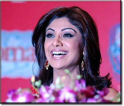 Shilpa Shetty Sweet Smiling Pics