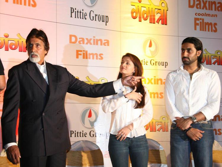 Aishwarya Rai with Abhishek Bachchan and Amitabh Bachchan