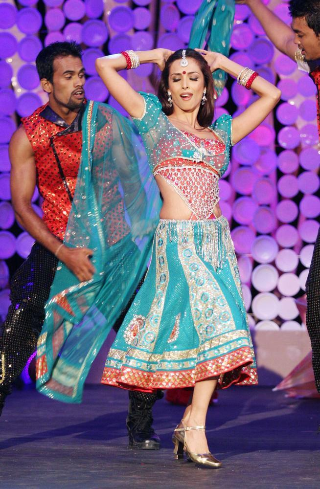 Item Queen Malaika Performed Her Hit Song Anarkali Disco Chali