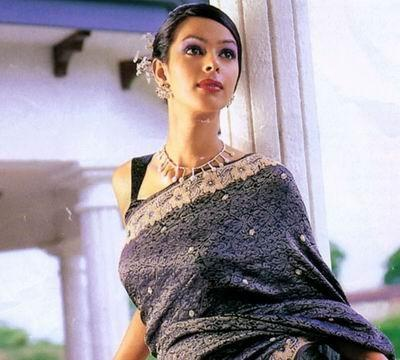 Mallika Sherawat Saree Small Pic