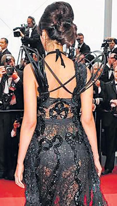Mallika Sherawat Sexy Back Exposing Still In Black Dress