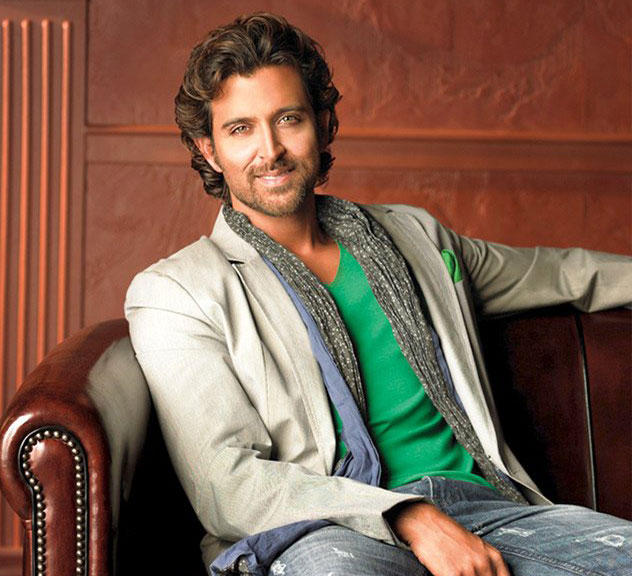 Hrithik Roshan Sweet and Cool Look Photo