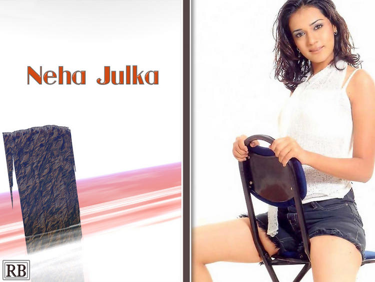 Stylist Neha Jhulka Glamour Look Wallpaper