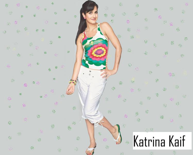 Katrina Kaif Cute Pose Wallpaper