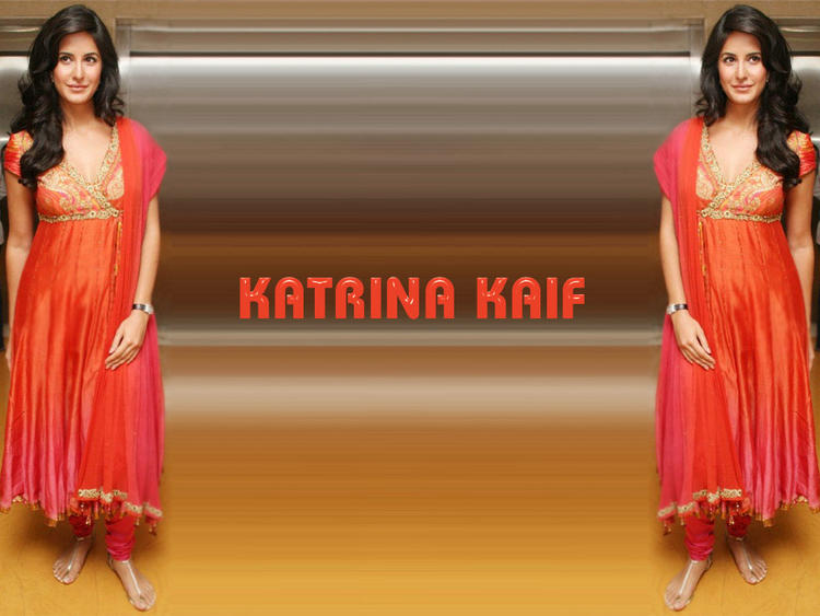 Katrina Kaif Simple Beautiful Wallpaper In Churidar