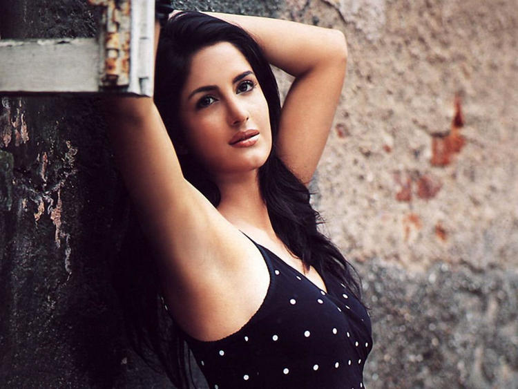Katrina Kaif Spicy and Romantic Look Still