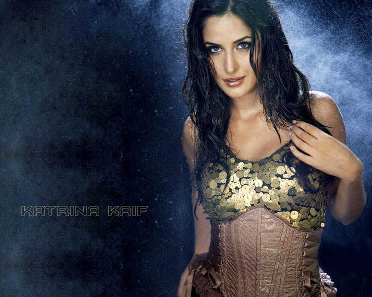 Katrina Kaif Wet Face Look Wallpaper
