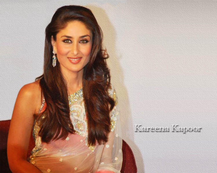 Kareena Kapoor Looking So Beautiful In Transparent Saree