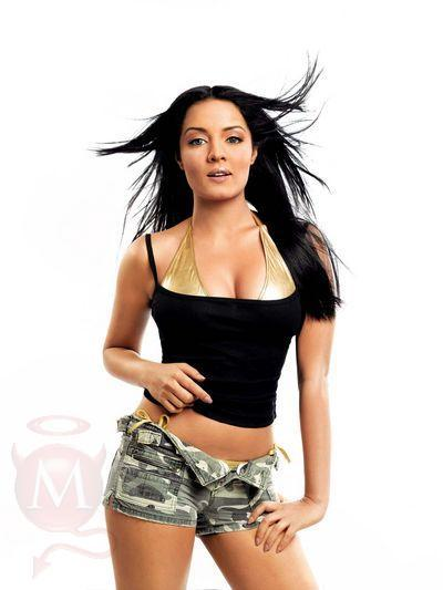 Celina Jaitley Hot Pose Photo Shoot