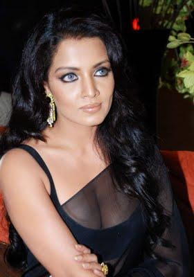 Celina Jaitley Sexy Eyes Look Still