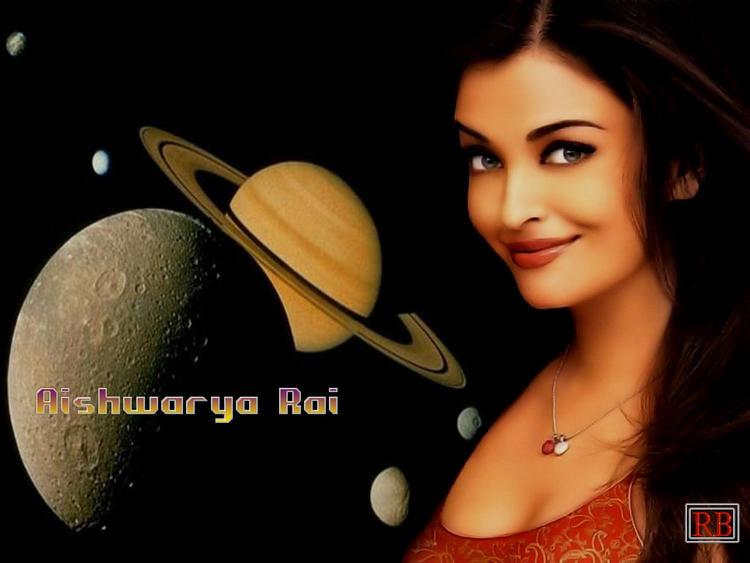 Aishwarya Rai Cute Sexy Look Wallpaper
