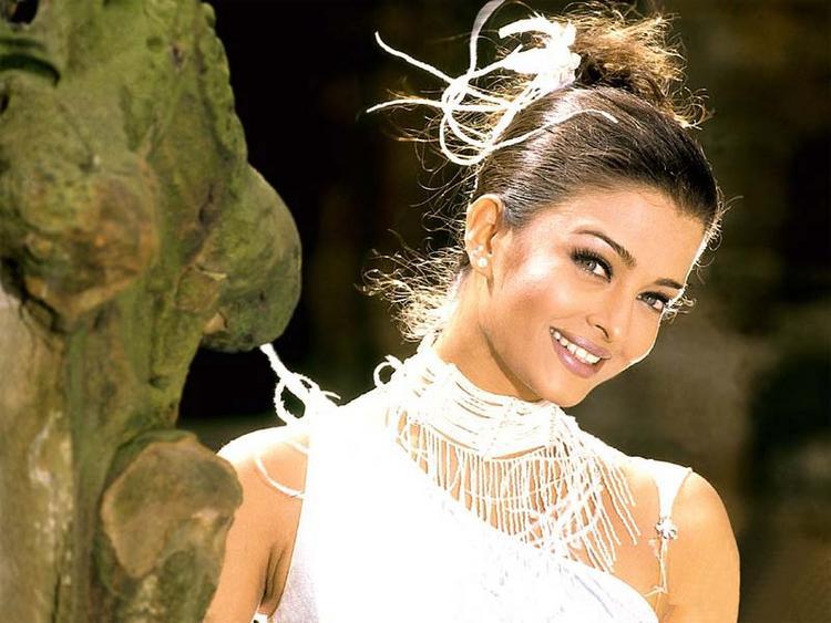 Aishwarya Rai  Cute Stunning Pic