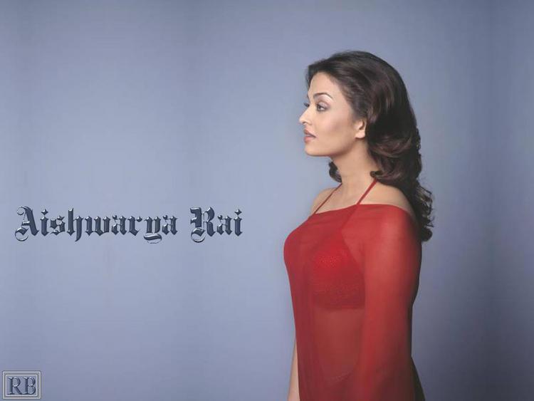 Aishwarya Rai Hot Pic In Red Transparent Saree