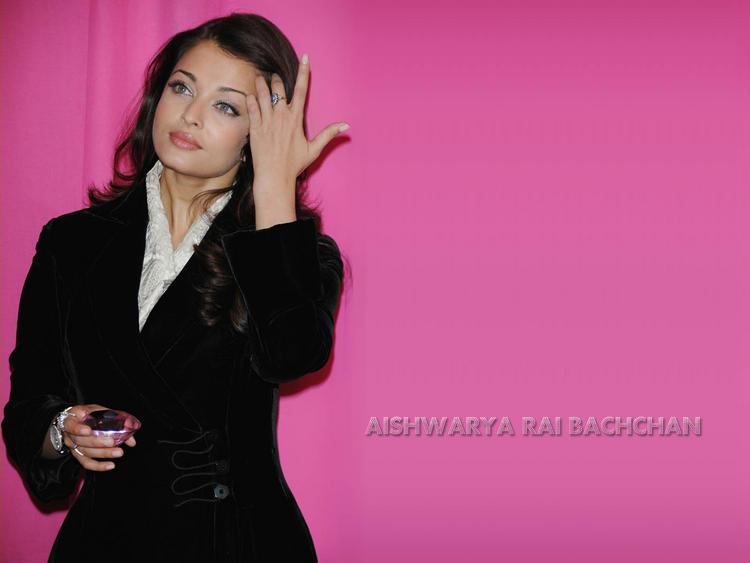 Sizzling Babe Aishwarya Rai Wallpaper