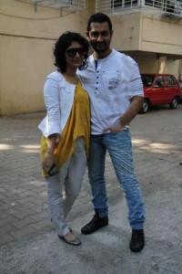 Swetest Couple Aamir and Kiran Poses For Photo