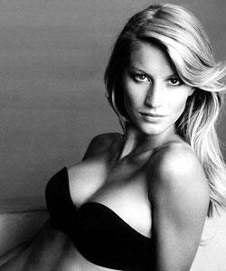 Gisele Bundchen Open Boob Show Glamour Photo