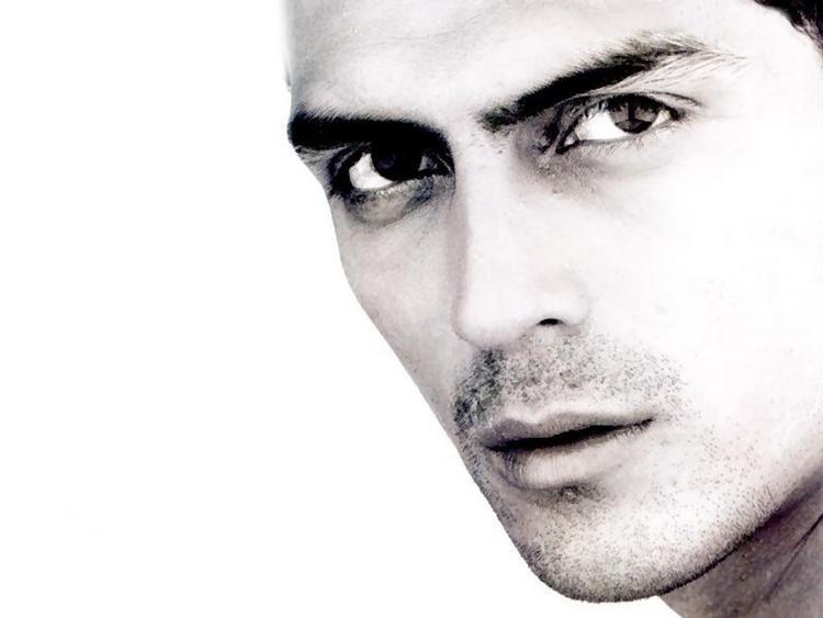 Arjun Rampal Sexy Eyes Look Wallpaper