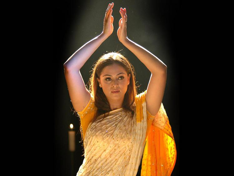 Simran Hot Dancing Pics