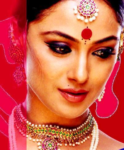 Simran Indian Women Look Nice Wallpaper