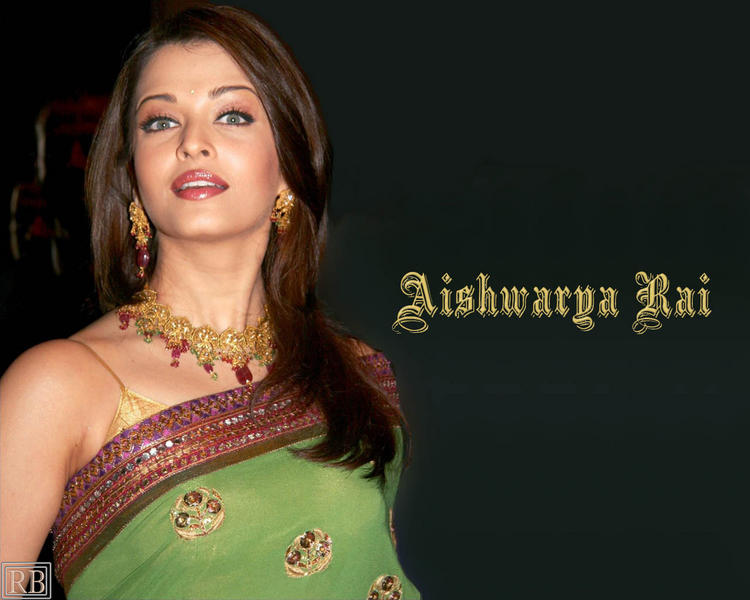 Aishwarya Rai Gorgeous Wallpaper In Saree