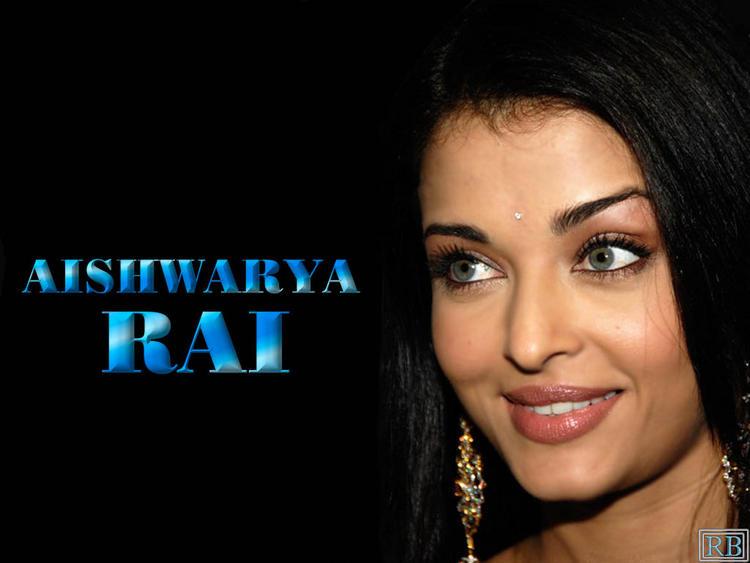 Aishwarya Rai Sexy Blue Eyes Look Wallpaper