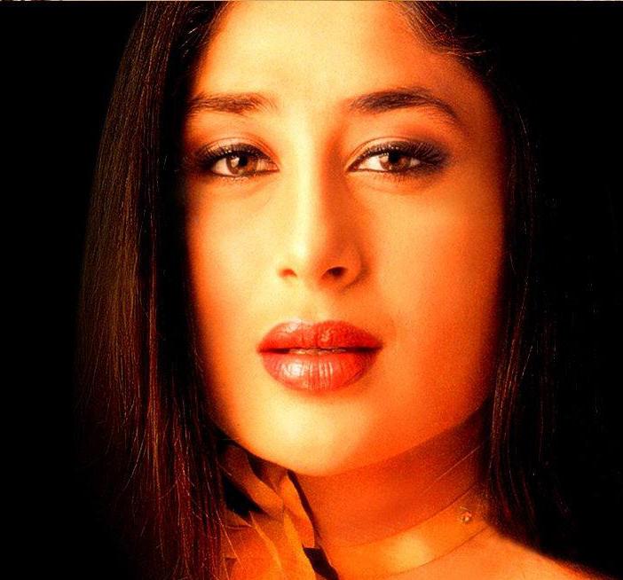Kareena Kapoor Sexy Eyes and Wer Red Lips Still