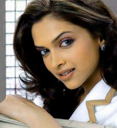 Deepika Padukone Cool Looking Pic