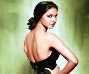 Deepika Padukone Glamour Back Bare Still