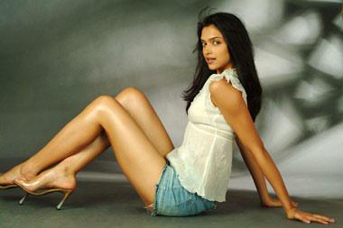 Deepika Padukone Glossy Legs Pose Still
