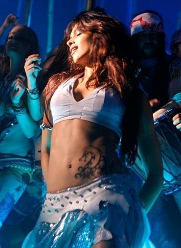 Deepika Padukone in Hot Song From Dum Maro Dum