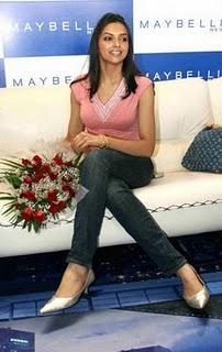 Deepika Padukone at Maybelline Event