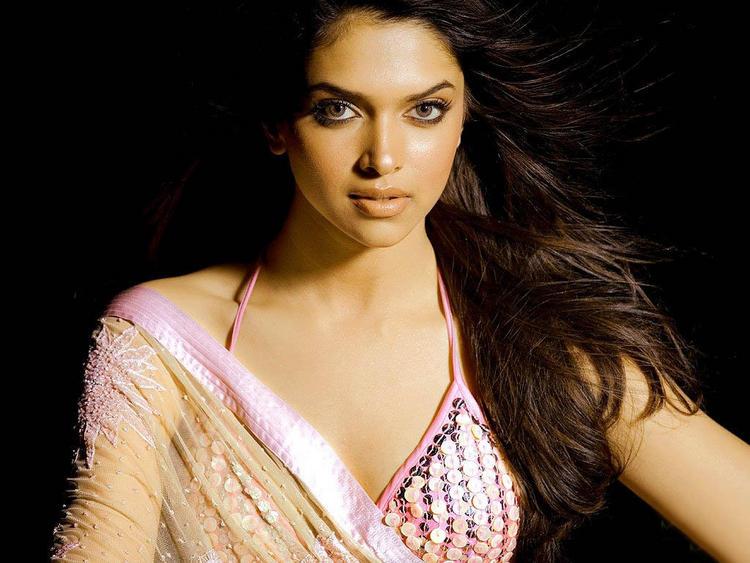 Deepika Padukone Sexy Face Look Still