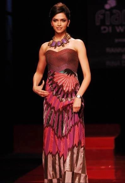 Deepika Padukone Wills Lifestyle India Fashion Week Photo