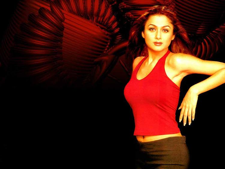 Amrita Arora Latest Gorgeous Pic In Red Tops