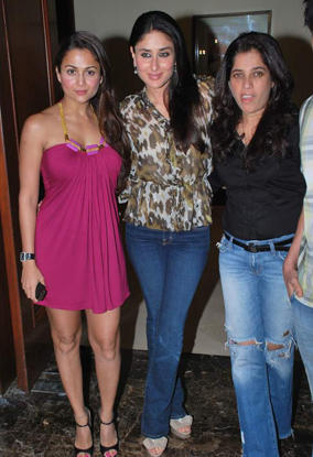 Kareena and Amrita Poses To Photo Shoot